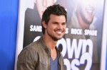Taylor+Lautner+Grown+Ups+2+New+York+Premiere+B1aoRqwNXDDl