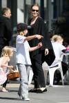 Angelina+Jolie+takes+two+children+pottery+CKY-dZ9ik4al