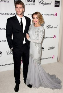 hemsworth-cyrus-20th-annual-elton-john-aids-foundation-02