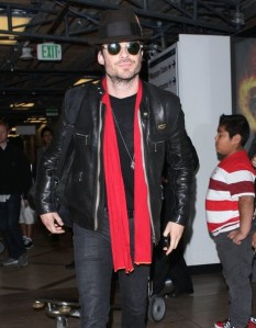 Ian+Somerhalder+Arriving+Flight+LAX+7uEdkOovRrGl